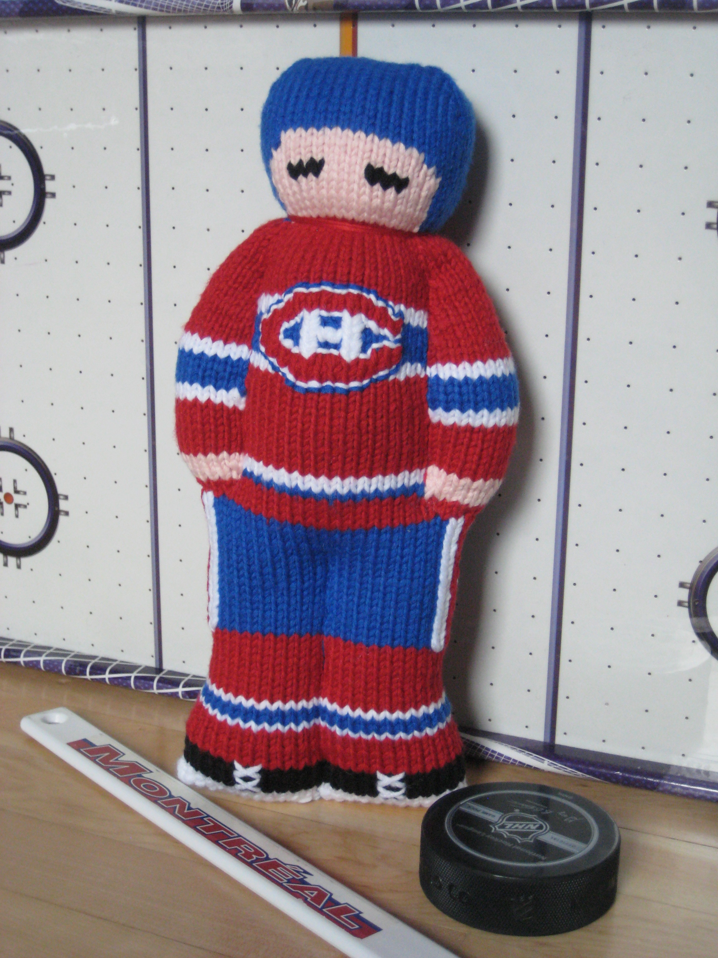 new pattern up: my first hockey player: montreal canadiens |