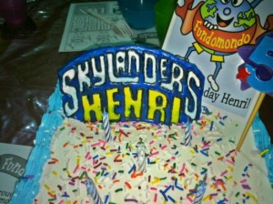skylanders cookies and fondant topper 02