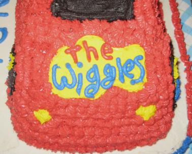 the wiggles big red car cake 04