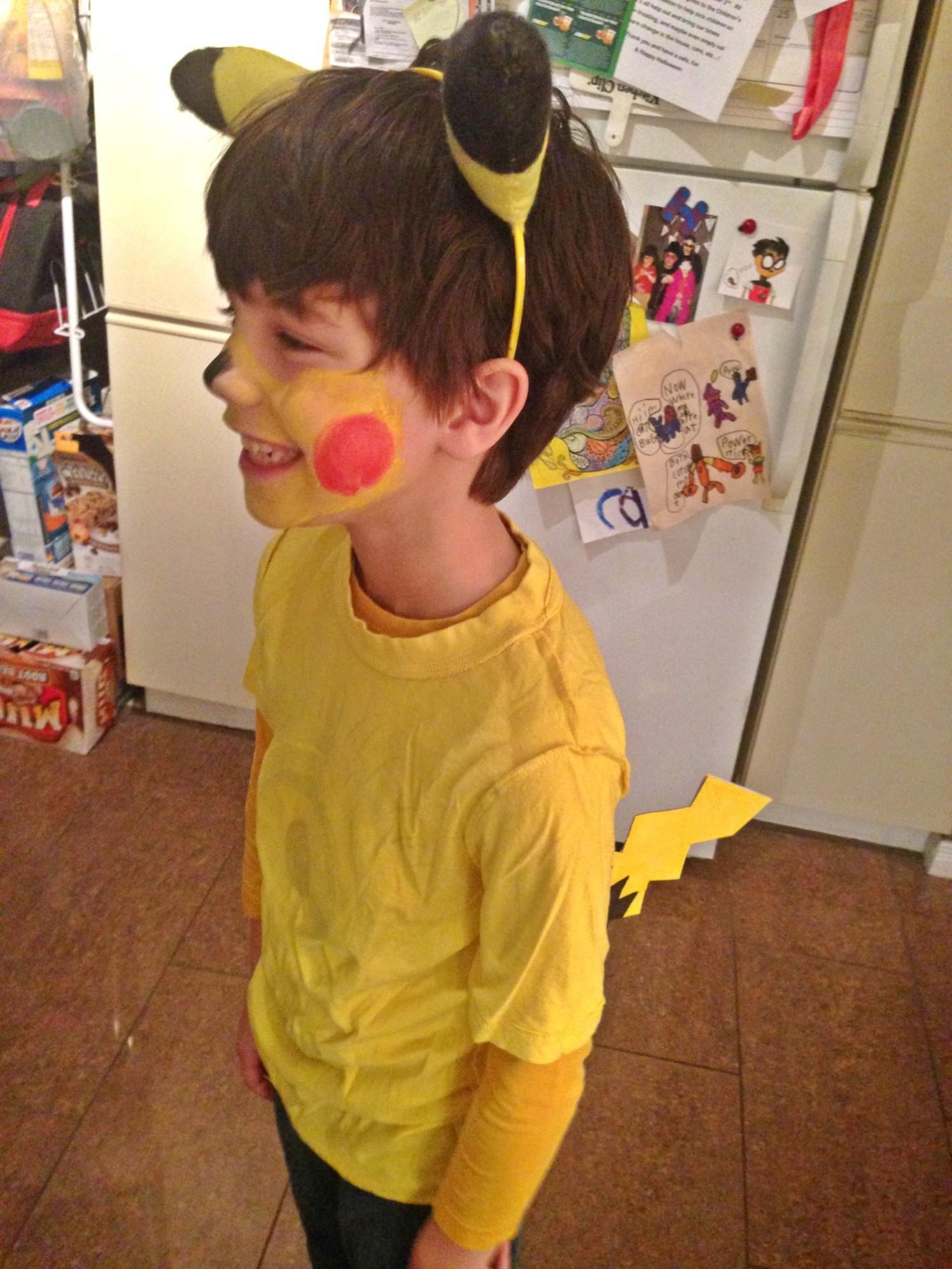 post-pikachu-diy-costume-08