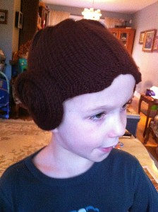jakob-in-leia-hat